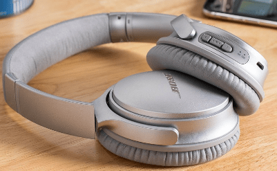 Noise cancelling headphones to concentrate on your work